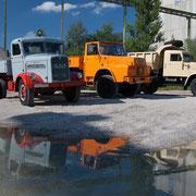 Oldtimer-Trucks im Kieswerk