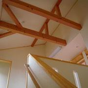 2階ホールの勾配天井