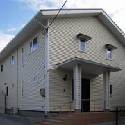 樹脂サイディング外壁とアスファルトシングルの屋根