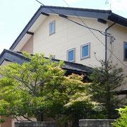 ガルバリウム鋼板の外壁と屋根
