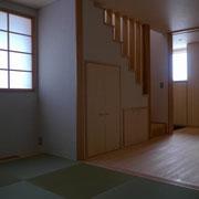 リビング階段とリビングと一体となった和室