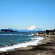 七里ケ浜でゆったりサーフィンしましょう