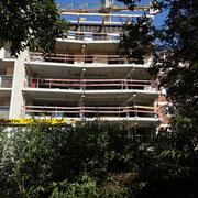Balcons vus du jardin - Chantier habitat participatif l'Atoll (Toulouse), octobre 2020. Photo © David Bank