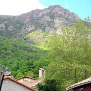 Blick über die Häuser von Prat del Pinter