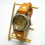 "305B ""Lady on Time-B"" キャメル ¥17,000(消費税別)"