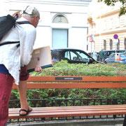 WARTEBANK mit dem Stadtmaler