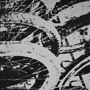 Fahrradreifen schwarz-weiß  93 x 65 cm