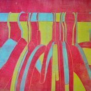 Kleiderbügel rot-gelb-blau  60,3 x 45,2 cm