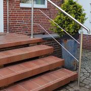 4-Stufen Edelstahl Handlauf mit Podest