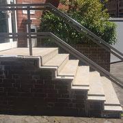 6-Stufen Handlauf aus Quadrat Rohr mit Podest. Farb-Pulver beschichtet