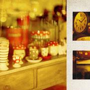 ペリグー「真夜中の雑貨屋」街灯が黄色く、それを受けて黄土色をした夜中のウィンドウ。中欧には12月25日にキノコを送ると幸せになるという話があって。この時は、ウィンドウにきのこがたくさん飾ってあった。