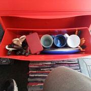 Ikea Trones sind orginal für den VW T3 Bus gemacht. - Sieht man ja :-) Wie ganz vieles von Ikea!