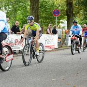 Tim Peter (BIKE Market Team) beim Derny-Rennen in Hamburg Volksdorf (Foto: Burkhard Sielaff)