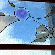 ガラスロンデルは紫 金茶 緑を使用