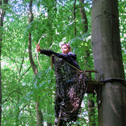 Kleine Entdecker: Bogenschießen beim Entdecker-Kindergeburtstag im Schwerter Wald
