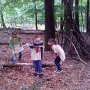Kleine Indianer: Erkundung des Indianerdorfs im Schwerter Wald