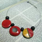 collier contemporain en ceramique raku