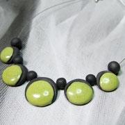 collier de perles en céramique raku