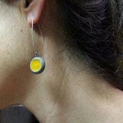 pendant d'oreilles jaunes en raku