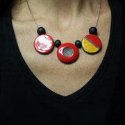 collier ceramique raku rouge et jaune