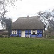 Das blaue Haus im Lieper Winkel, ältester original erhaltener Fachwerkbau mit Rohrdach
