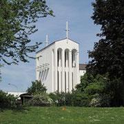 Heilig-Geist-Kirche hier vom Park aus