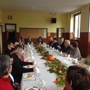 Déjeuner en l'honneur de Mme Quentin, architecte, et des artisans, en présence du conseil municipal et de nombreux élus