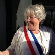 Mme Juin, maire de Condé, heureuse et détendue après avoir mené à bien son projet au milieu des embûches!