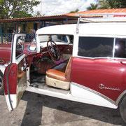 Ein Buick - Baujahr 1954.