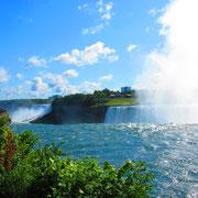 ... zu den Niagarafällen.