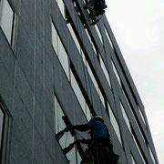プロのガラス清掃