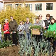 Unser Biogarten liefert uns frische Produkte für die gesunde Jause