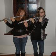 Magdalena und Karin umrahmten musikalisch