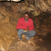 Besuch in der Erdmannshöhle in Hasel