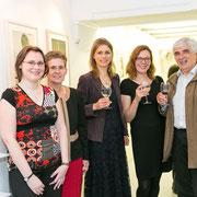 Mitglieder von Wir Sind Europa freuen sich mit den KünstlerInnen über einen tollen Abend