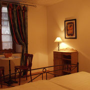 Cosy Double Room towards the Ínner Yard
