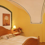 Cross-Vaults in a Romantic Room