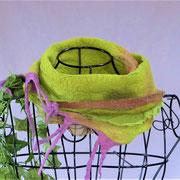 gefilzter Schal, pflanzengefärbt