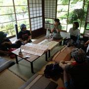 まずはカフェの和室でトレイルランの講習
