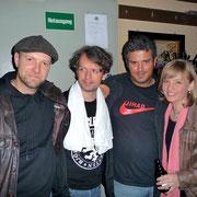 Henrik Freischlader (links) mit Drummer Björn Krüger und Moritz Fuhrhop (Hammond) sowie Christina Lux (nicht im Bild: Bassist Theofilos Fotiadis)