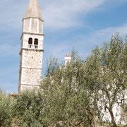 Blick auf die neue Kirche von Višnjan