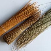 Bottes de seigle et paille des marais pour un cordon fait main