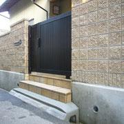 外構・エクステリア工事施工例 ブロック塀 アルミ門扉引き戸仕様