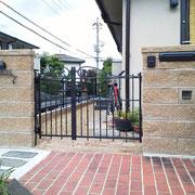 ブロック門柱 鋳物門扉
