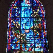 "Fallschirmjäger ""Big Jim"" im Kirchenfenster"