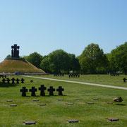 der schlichte deutsche Soldatenfriedhof in La Cambe