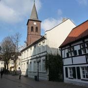 Haus Messer und evgl. Pfarrhaus | Lintorfer Straße