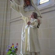 Statue in einer Kirche | St. Marie Madeleine-Postel