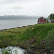 ein paar Fischrhäuser am Olderfjord