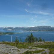 auf der Hochebene mit Blick zum Fjord